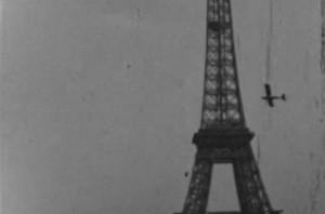 DFL_1erRA_Cub-EiffelTower